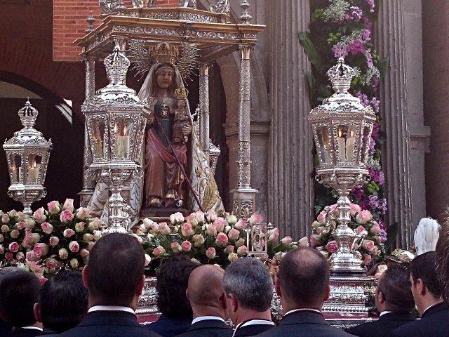 Virgen de San Lorenzo durante ferias de septiembre